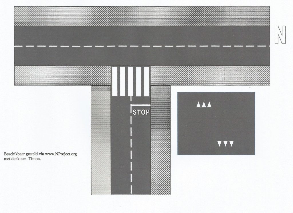 Asfaltweg T-splitsing N-spoor
