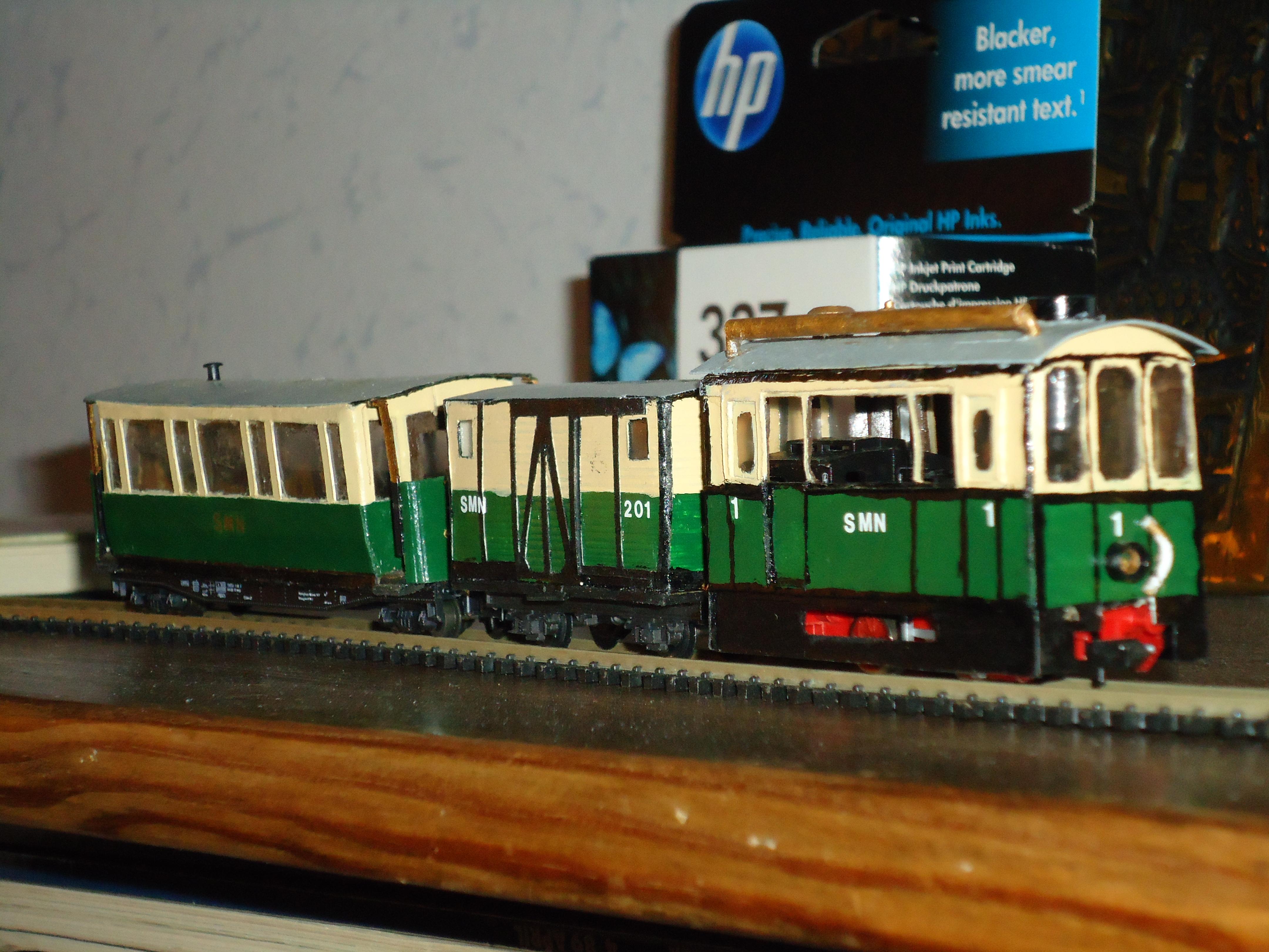 Foto: voorbeeld van een vierkante tramlok, in dit geval in H0e (schaal 1:87 maar op rails voor N-spoor, 1:160)